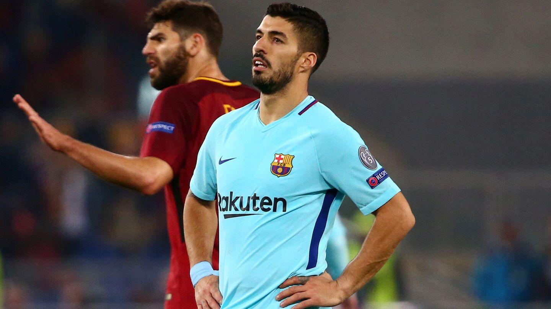 Luis Suárez, con cara de contrariado, durante el partido del Barça en Roma. (Reuters)