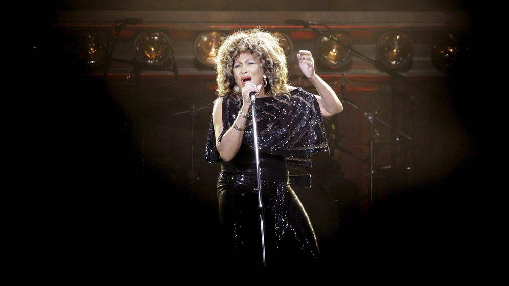 Foto: Tina Turner durante una actuación en el O2 World en Berlín en 2009 (EFE)