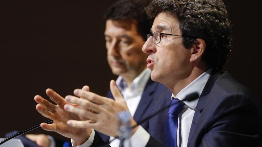Foto: Jorge Sicilia, economista Jefe del Grupo BBVA y Rafael Doménech, economista jefe de Economías Desarrolladas (Efe)