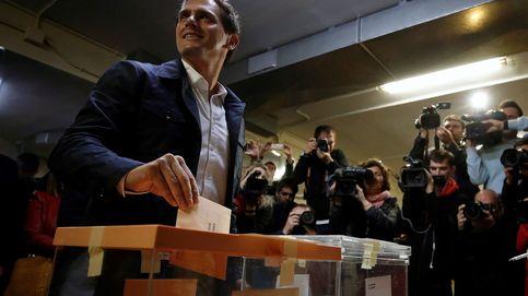 Albert Rivera acude a votar e insta a los ciudadanos a hacerlo para lograr un cambio de era