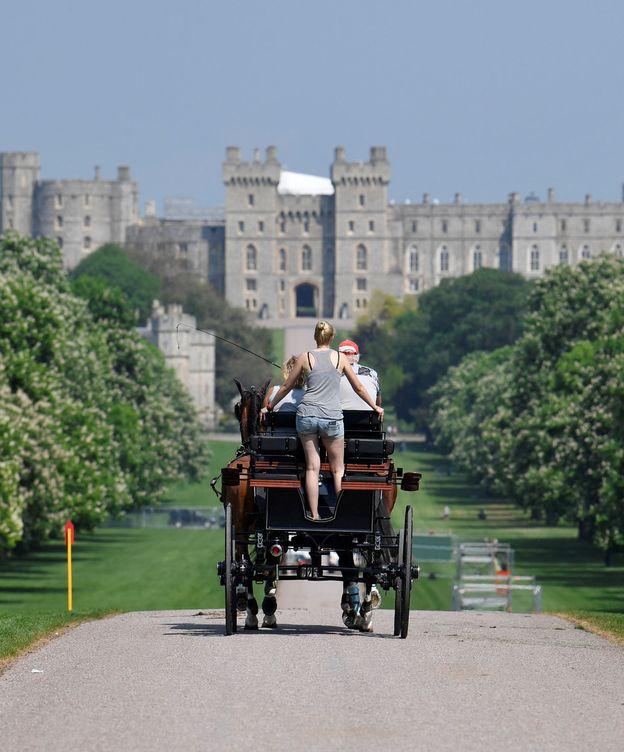 Foto: Turistas pasean en carruaje por Windsor. (Reuters)