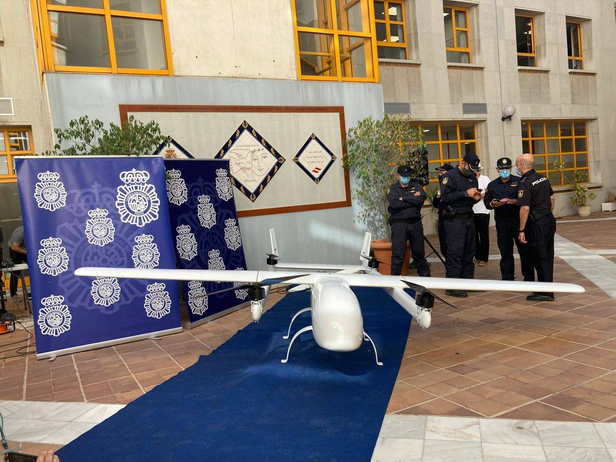 Foto: La aeronave intervenida por los agentes de la Policía Nacional. (P.D.A.)