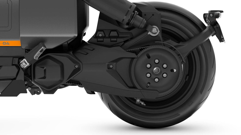 El cliente puede elegir entre varias versiones, según su nivel de potencia y capacidad de batería. Pero el motor va siempre delante de la rueda trasera.