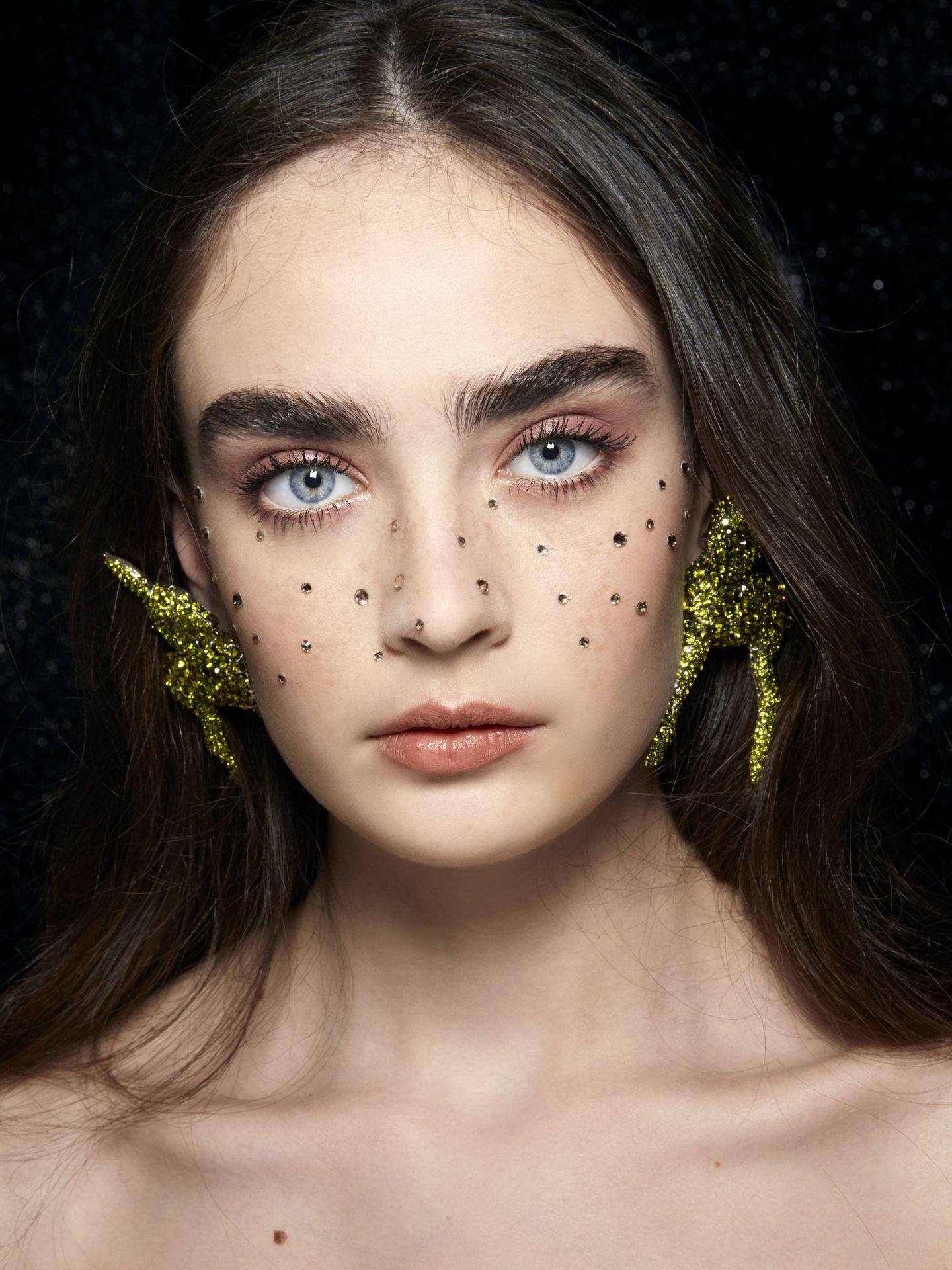 Cómo recrear el maquillaje con aplicaciones. (Imaxtree)