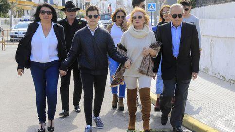 Las ausencias roban protagonismo al homenaje a Rocío Jurado en Chipiona