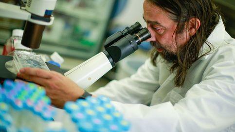 El español que lleva una nueva vacuna contra el covid a los países olvidados de la pandemia
