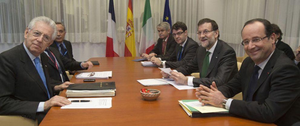 Rajoy se reúne en Bruselas con Monti y Hollande antes del Consejo Europeo