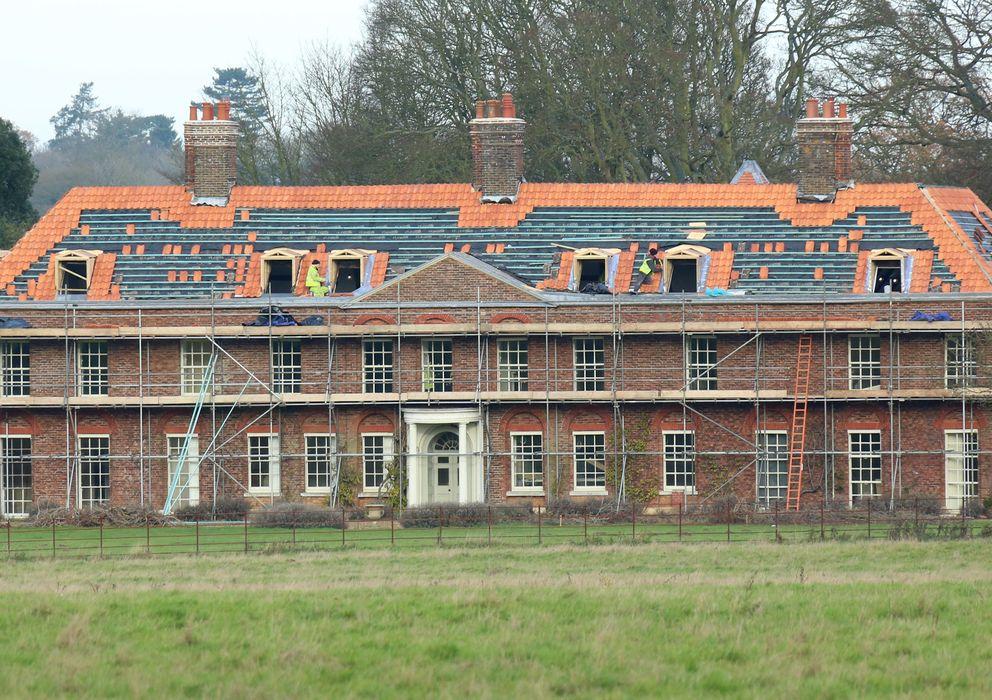 Los duques de cambridge remodelan la mansi n que la reina for Casa de campo la reina