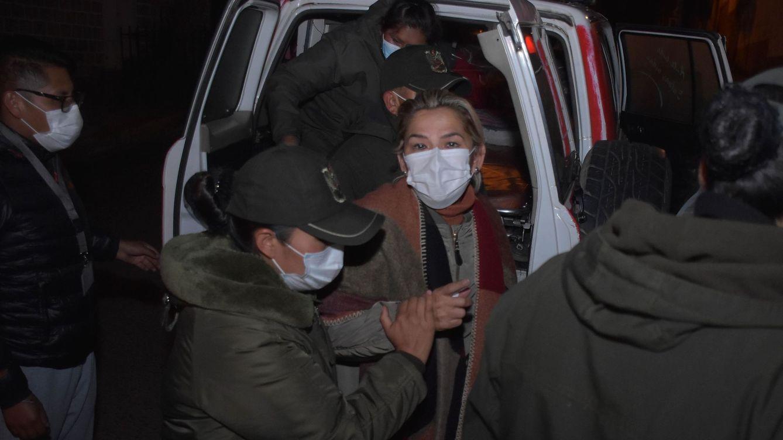 La expresidenta de Bolivia Áñez pide salir de prisión para ser ingresada por una infección