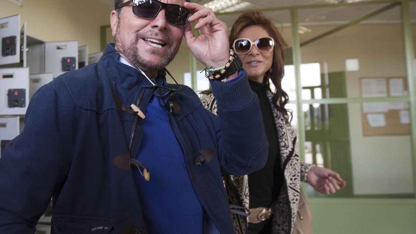 Foto: Ortega Cano y Ana María Aldón a su salida de la cárcel de Zuera (Gtres)