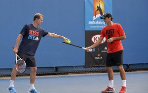 Federer jugará ante Rafa Nadal con la 'careta' de Stefan Edberg