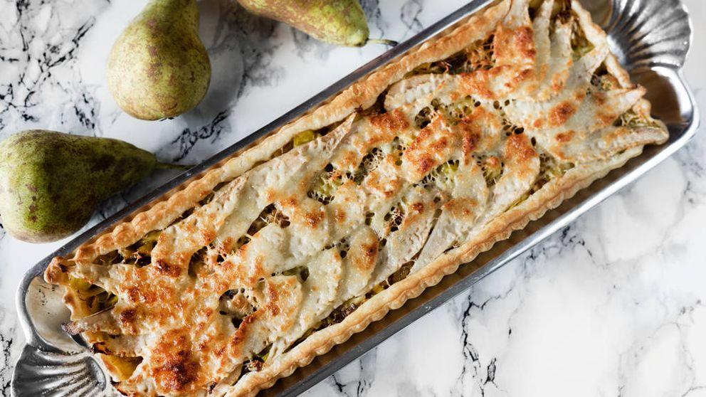 Una tarta suave: hojaldre de puerro, pera y queso manchego
