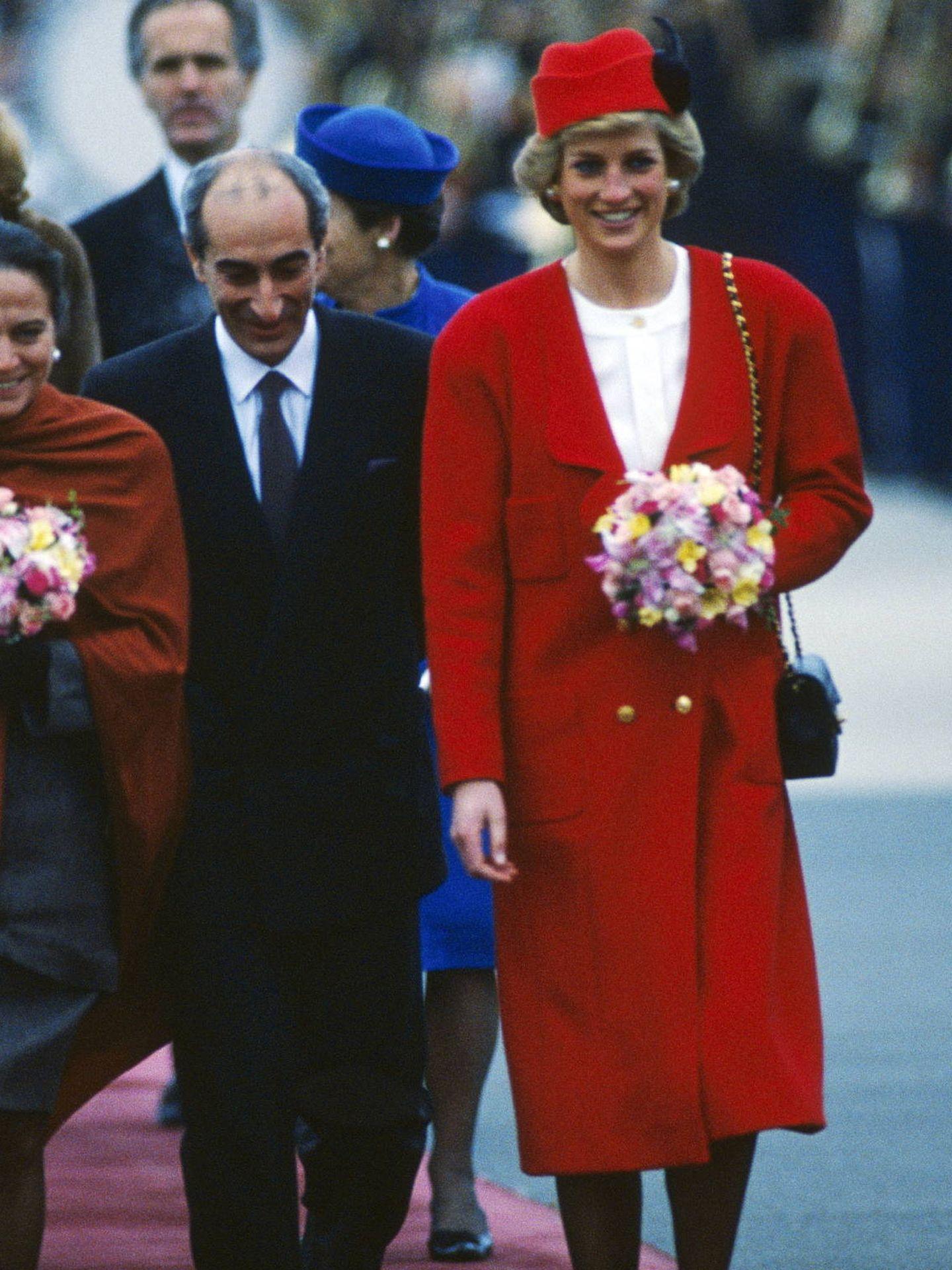 Lady Di, vestida de Chanel en su viaje a Francia. (Getty)