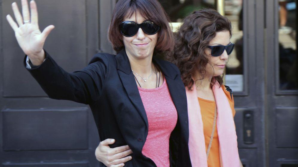 Foto: Juana Rivas a su salida de los juzgados de Granada. (EFE)