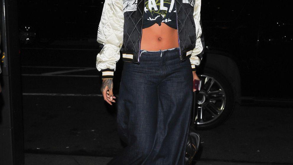 Rihanna intenta robarle a Lady Gaga el puesto de la cantante más extravagante