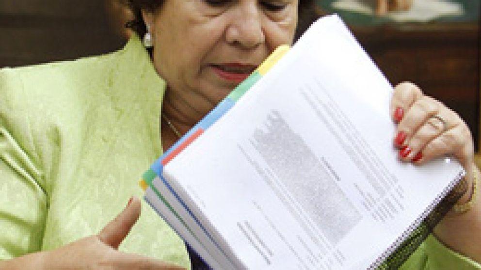 La Defensora del Pueblo acusa al BdE de favorecer a la banca frente a los consumidores