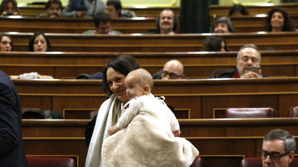 Bescansa advierte a Letizia sobre llevar a sus hijas al Congreso: Insultos sin límite