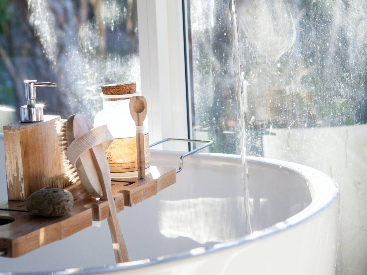 Foto: Un oasis de relajación en tu baño. (Photoholgic para Unsplash)