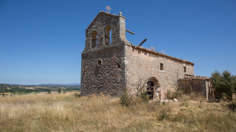 Iglesia de La Mercadera, ya sin pórtico y sin cruz en la espadaña. (D.B.)