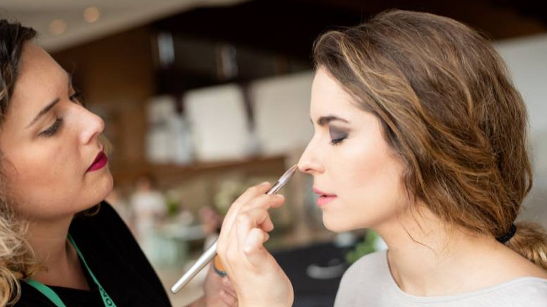 La maquilladora en casa, un lujo. (Foto: Cortesia StylePrivé)