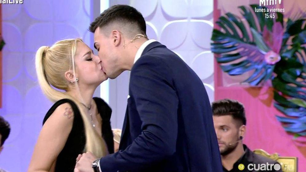 Foto: Iván se besa con Judith, la elegida, en 'Mujeres y hombres y viceversa'.