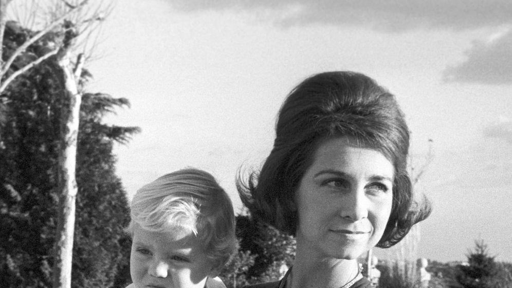 Foto: La reina Sofía y el rey Felipe en 1969. (EFE)