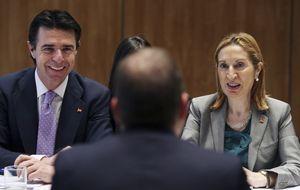 Guerra fría entre Fomento e Industria sobre el futuro de Iberia y Barajas