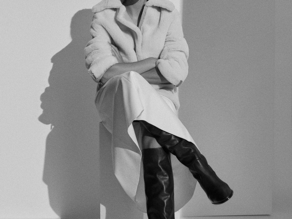 Foto: Botas de Massimo Dutti con las que llevar tu vestido de estas fiestas a la oficina y triunfar. (Cortesía)