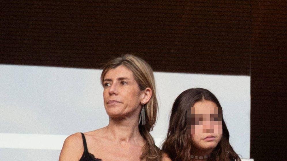 Foto: Begoña Gómez y su hija Ainhoa en el concierto de Muse. (Lagencia Grosby)