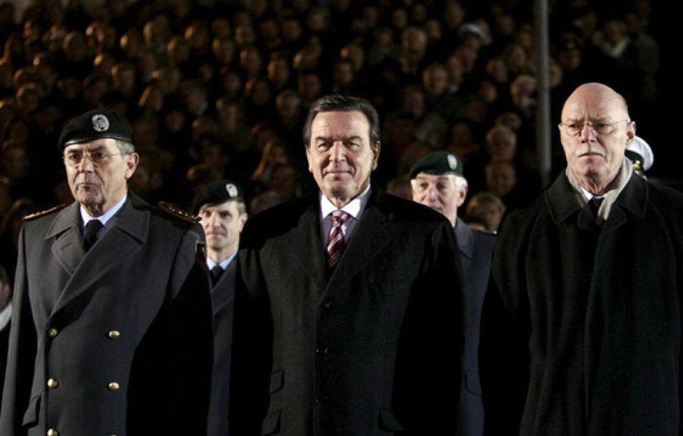 Foto: Schröder abandona la política activa y renuncia a su escaño
