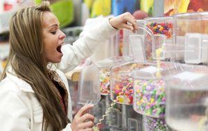 La ciencia explica por qué no puedes dejar de comer dulces