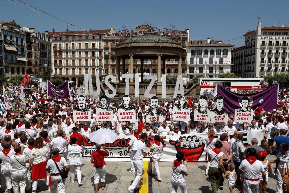 Foto: Acto en apoyo a los condenados por la agresión de Alsasua durante los pasados Sanfermines de Pamplona. (EFE)