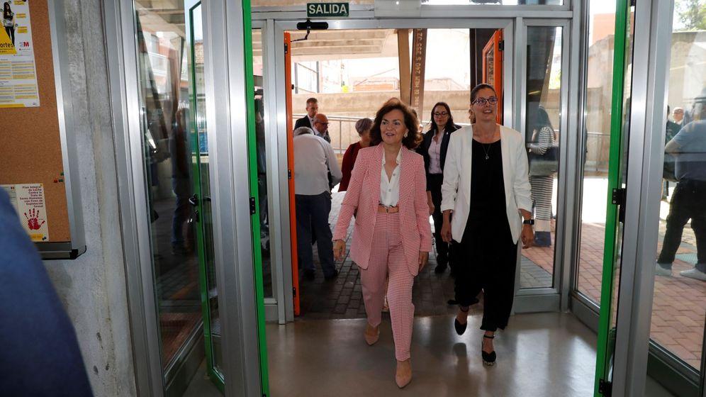 Foto: Noelia Posse (a la derecha), con la vicepresidenta en funciones, Carmen Calvo. (EFE)