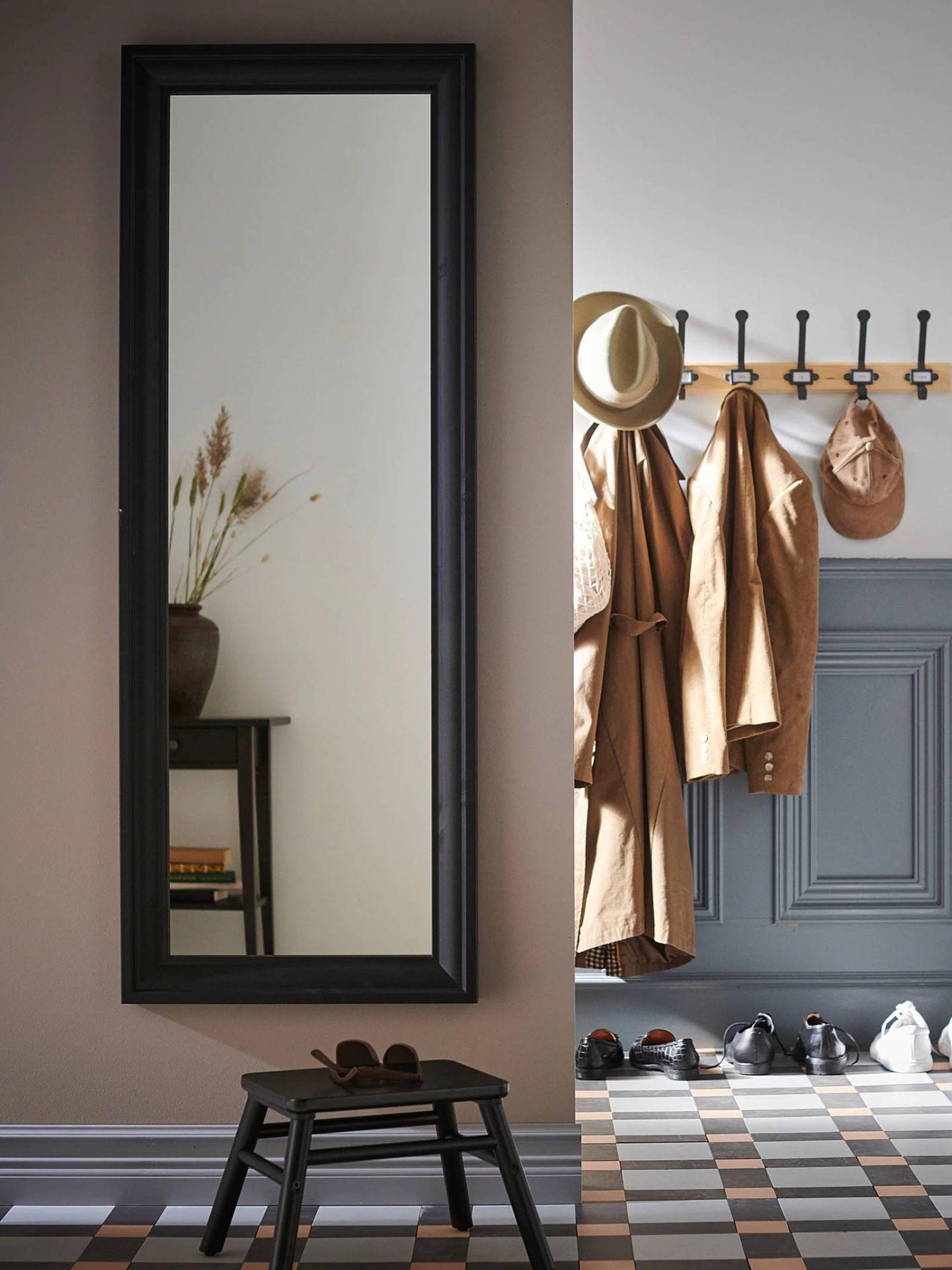 Espejos de Ikea. (Cortesía)