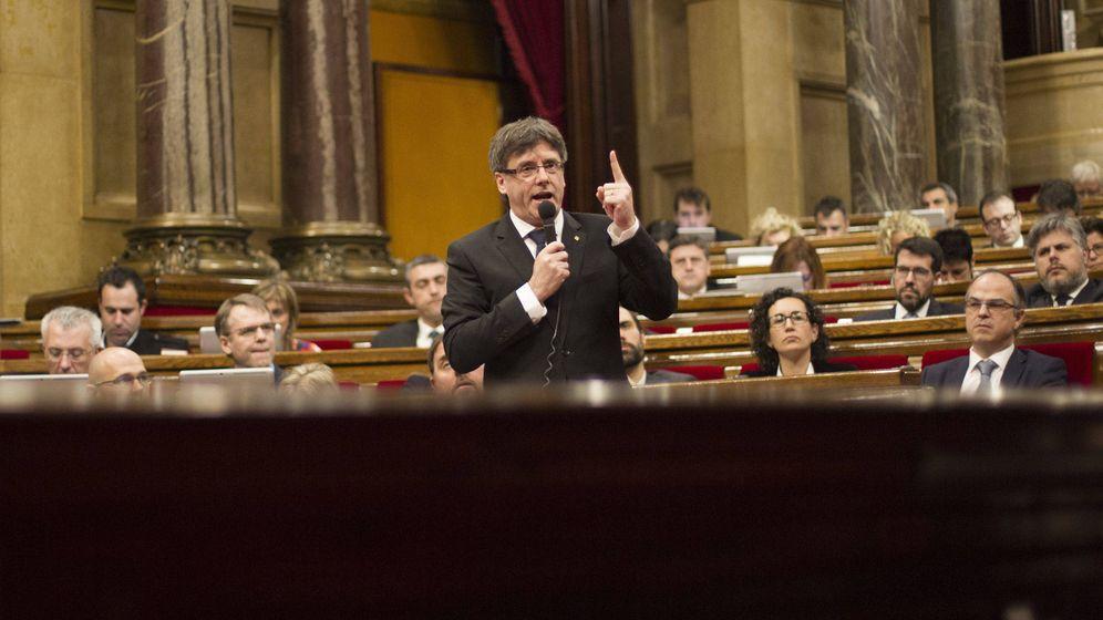 Foto: El expresidente Carles Puigdemont, en el Parlament de Cataluña. (EFE)