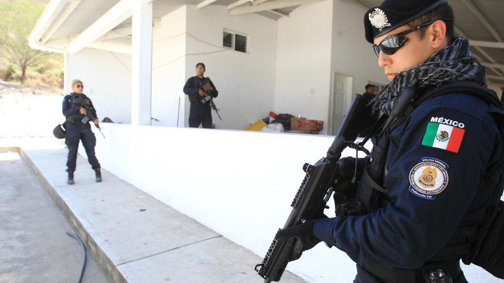 Un enfrentamiento entre narcos y policías deja 43 muertos en México