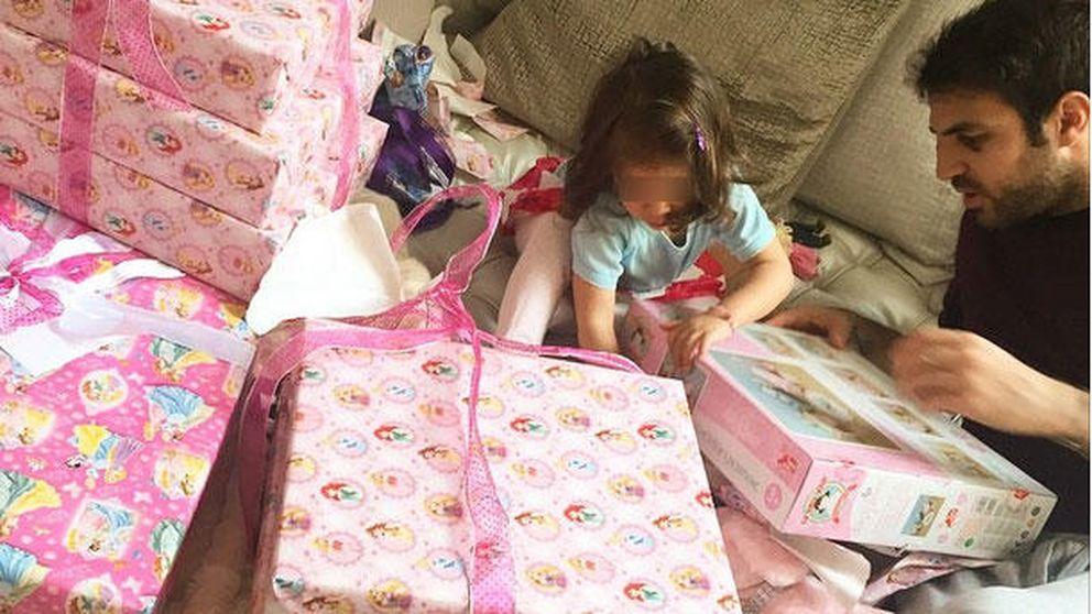 Instagram- Una cama llena de regalos para la hija de Fábregas