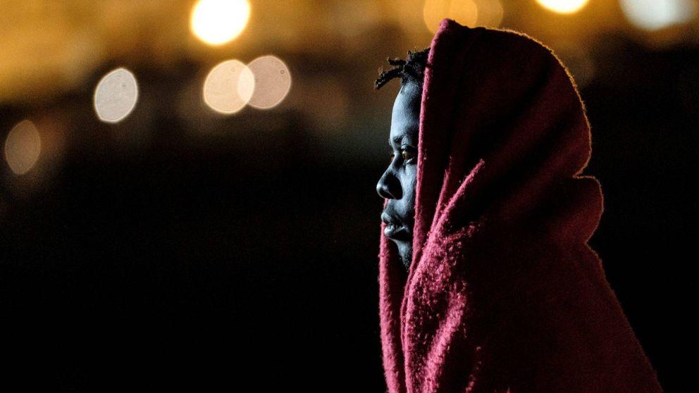 Moncloa flexibiliza las normas para evitar una expulsión masiva de inmigrantes