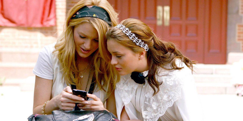 Foto: Las chicas de 'Gossip Girl' ya jugaban con sus teléfonos