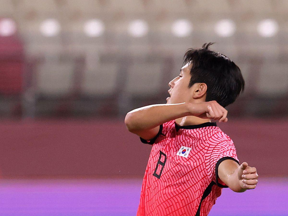 Foto: Lee Kang-In celebra un gol en los Juegos de Tokio. (REUTERS)