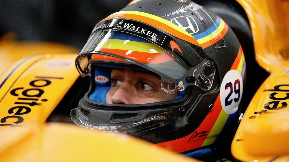 Foto: Fernando Alonso en su monoplaza de la Indy.