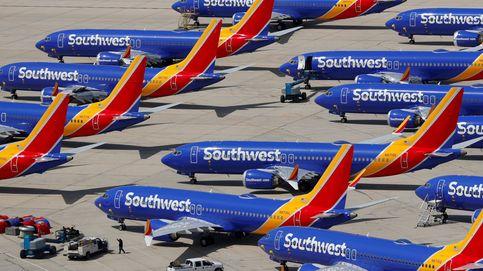 Boeing cae con fuerza en bolsa al alejarse la fecha de regreso de los 737 MAX