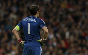 Mientras la FIFA alaba a Casillas, UEFA le deja fuera del Once Ideal