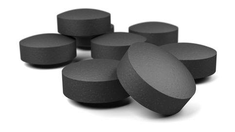 Carbón activado: el 'antigrasas' que elimina toxinas... (y nutrientes también)