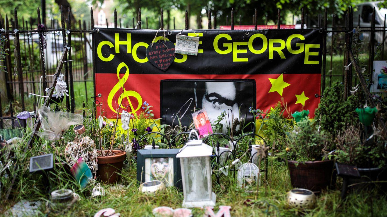 Altar homenaje al artista en Londres. (Getty)