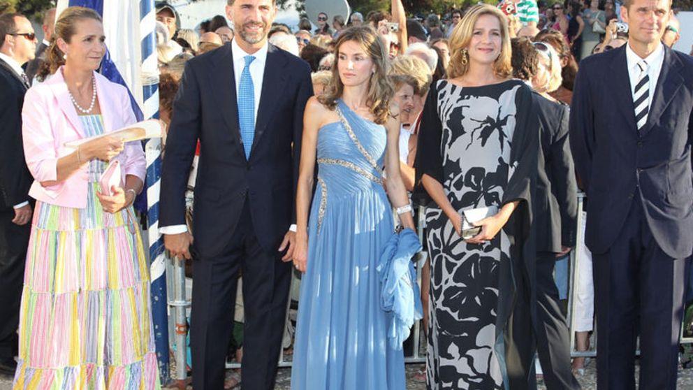La ministra Sinde llevó hace meses el vestido con el que la infanta fue a la boda de Nicolás de Grecia
