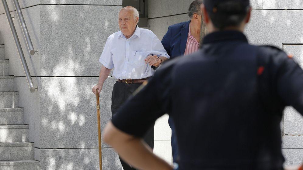 Foto:  Álvaro Lapuerta, tesorero del PP entre 1993 y 2008, a su salida de la Audencia Nacional. (EFE)