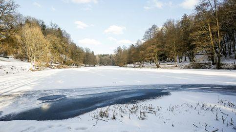 Así dinamita China un río para acabar con el hielo