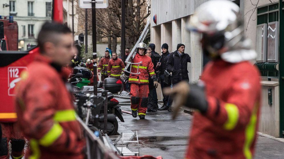 Foto: Bomberos en París, en una imagen de archivo. (EFE)