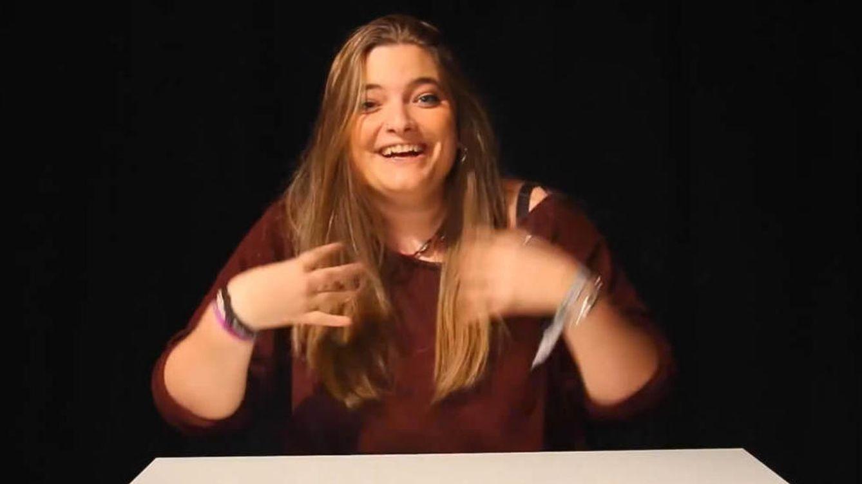 Los amigos de clase arropan a la hija de Zapatero tras su corta vida como 'youtuber'